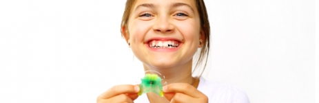 Orthodontic Solution with Retainers